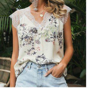 🥳NEW! Floral Print Sleeveless Blouse